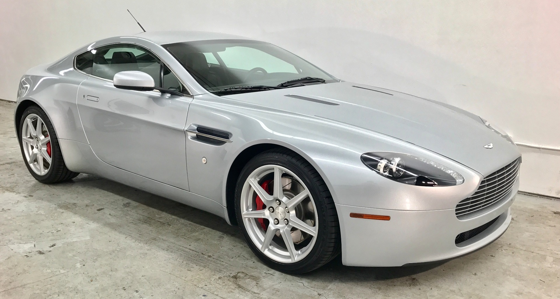 2007 aston martin v8 vantage stock 36 for sale near mountain view ca ca aston martin dealer. Black Bedroom Furniture Sets. Home Design Ideas