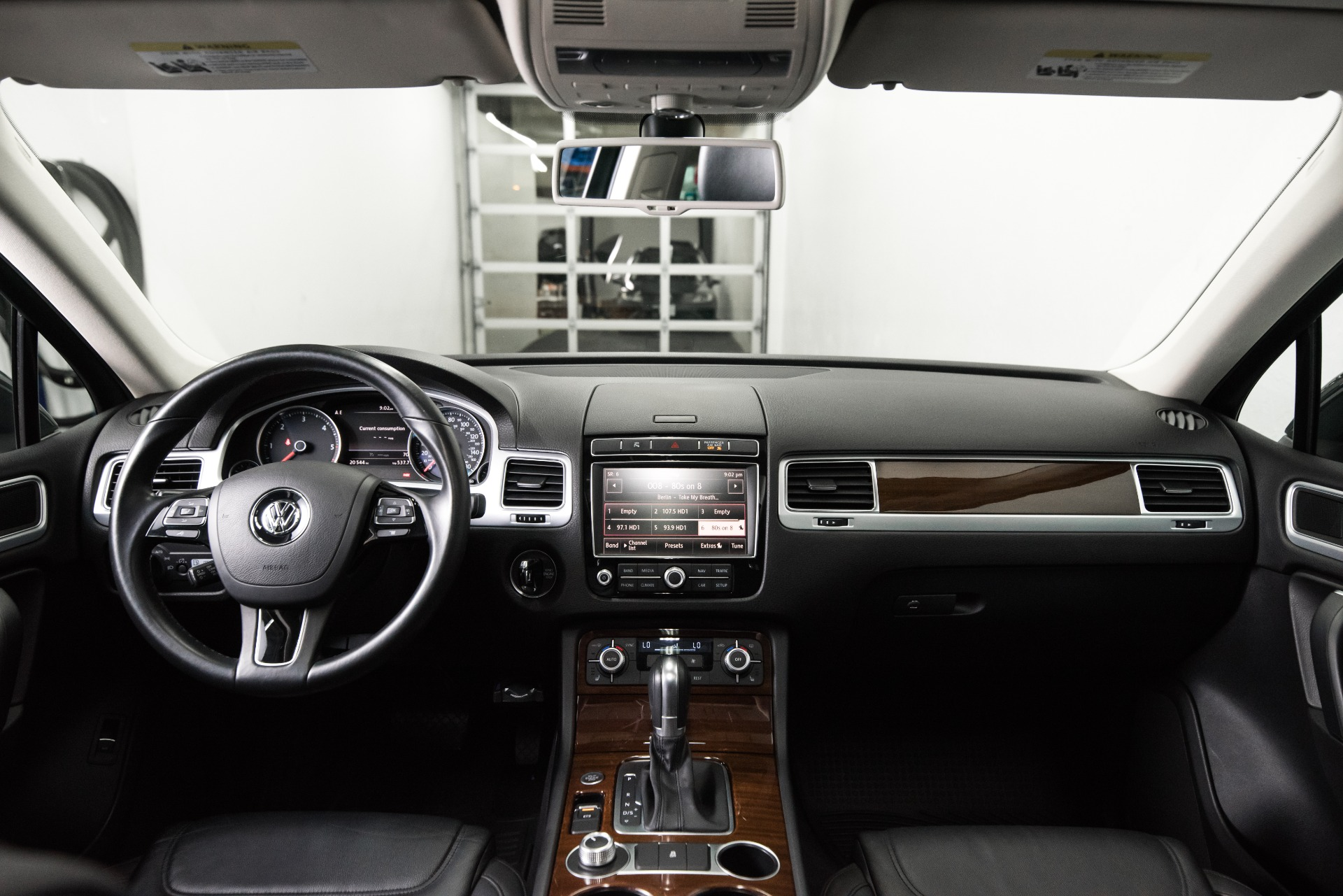Used 2015 Volkswagen Touareg TDI Lux Used 2015 Volkswagen Touareg TDI Lux for sale Sold at Response Motors in Mountain View CA 13