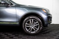 Used 2015 Volkswagen Touareg TDI Lux Used 2015 Volkswagen Touareg TDI Lux for sale Sold at Response Motors in Mountain View CA 4