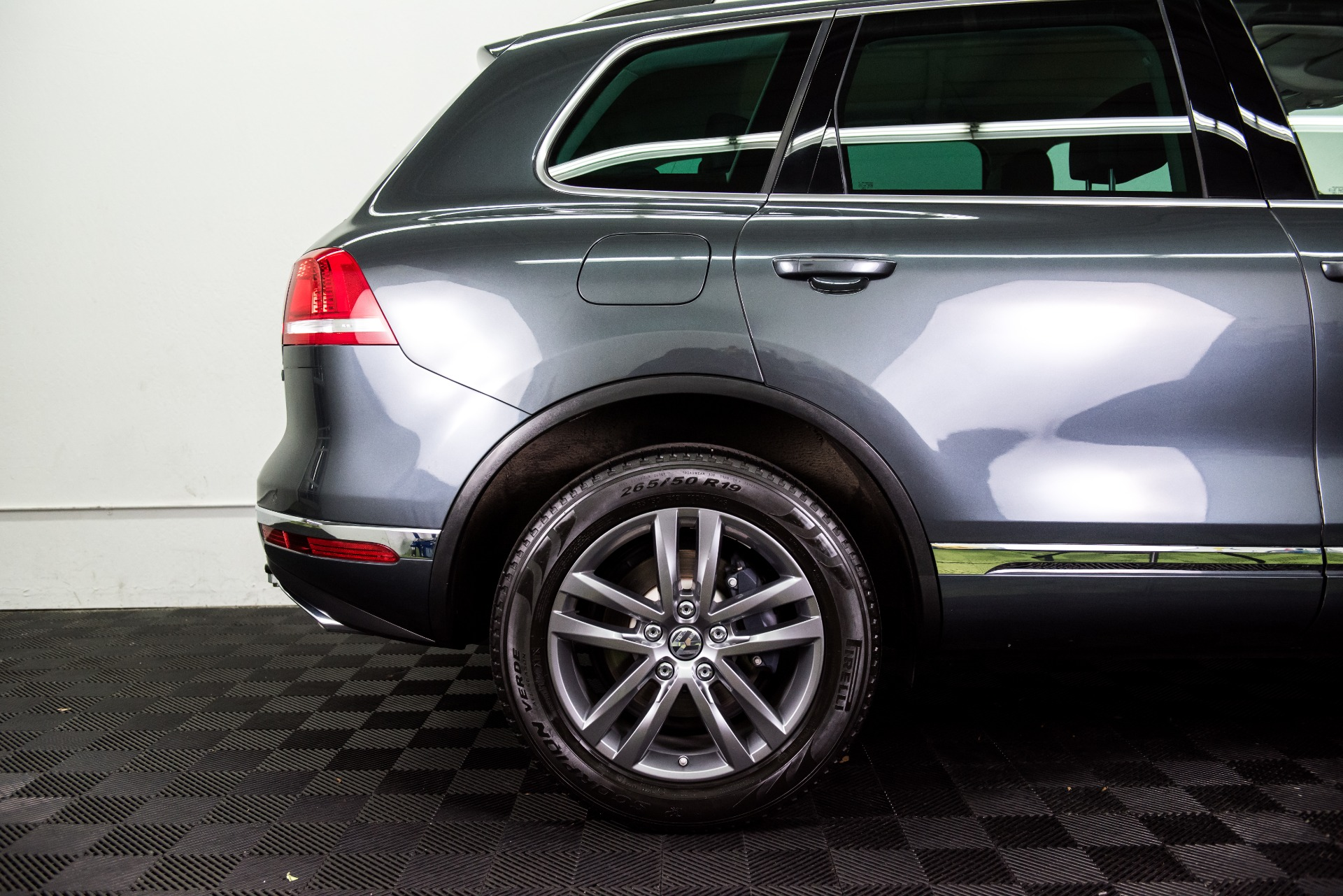 Used 2015 Volkswagen Touareg TDI Lux Used 2015 Volkswagen Touareg TDI Lux for sale Sold at Response Motors in Mountain View CA 6