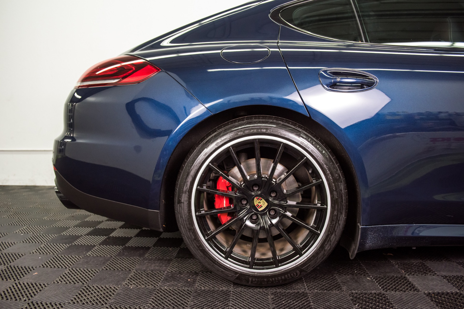 Used 2016 Porsche Panamera GTS Used 2016 Porsche Panamera GTS for sale Sold at Response Motors in Mountain View CA 10