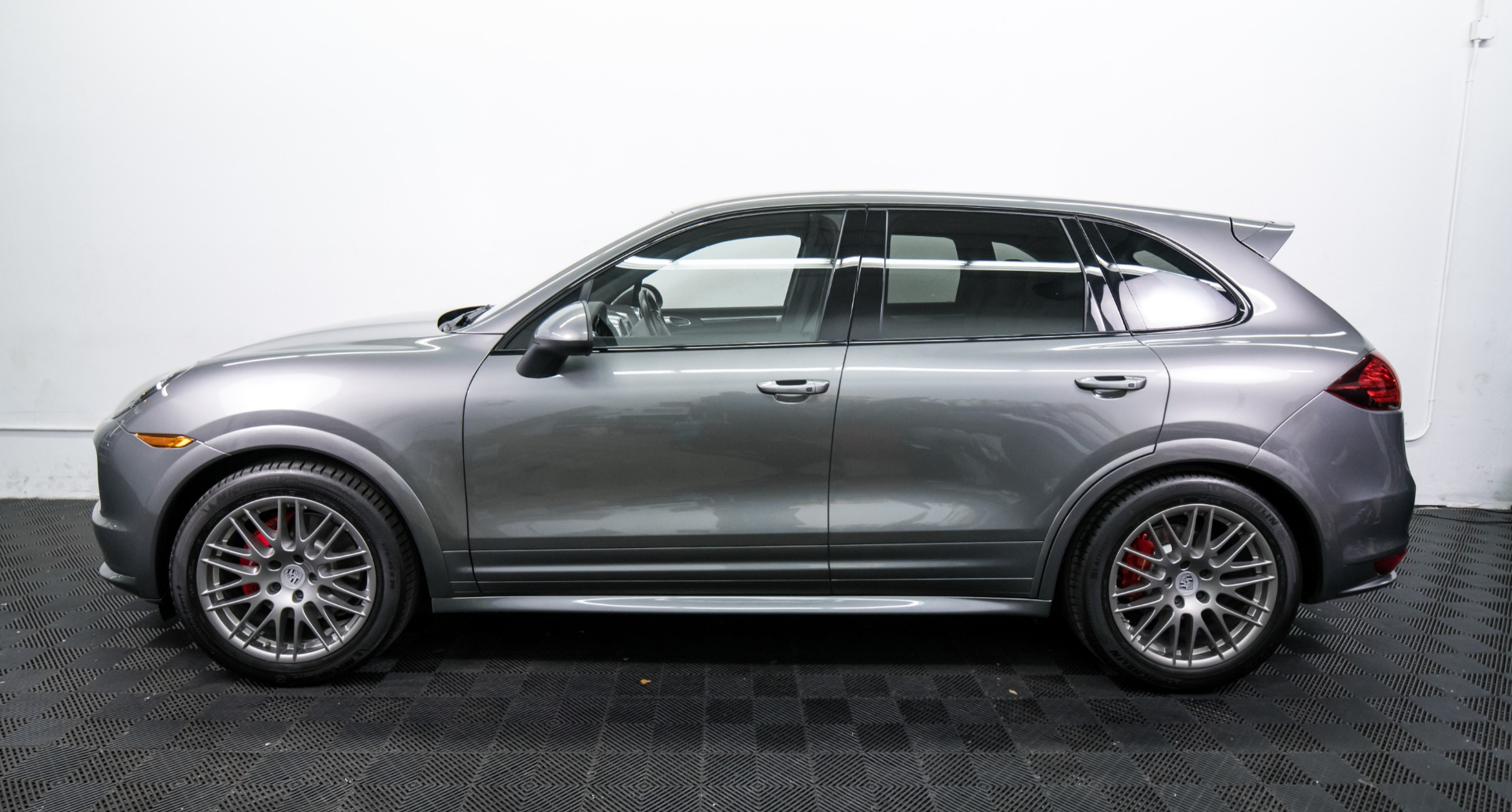 Used 2014 Porsche Cayenne GTS Used 2014 Porsche Cayenne GTS for sale $42,499 at Response Motors in Mountain View CA 10