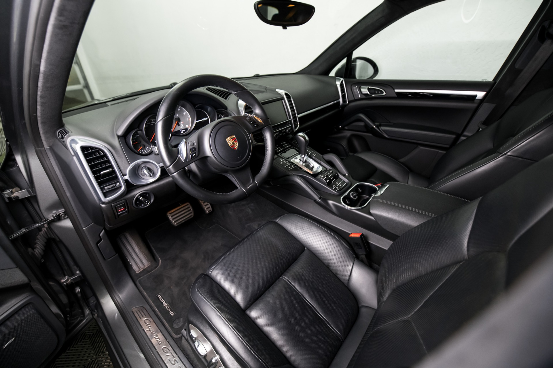 Used 2014 Porsche Cayenne GTS Used 2014 Porsche Cayenne GTS for sale $42,499 at Response Motors in Mountain View CA 16