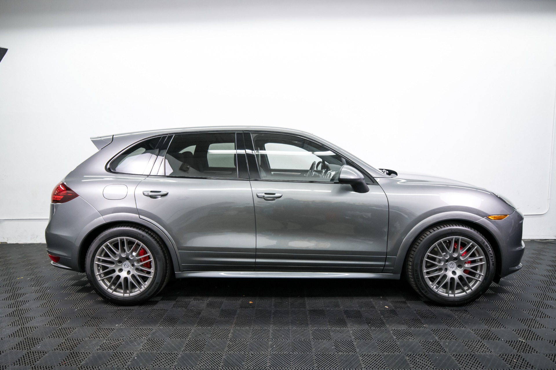 Used 2014 Porsche Cayenne GTS Used 2014 Porsche Cayenne GTS for sale $42,499 at Response Motors in Mountain View CA 5